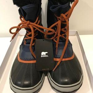 Sorel navy boots